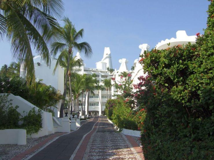 Hotel Las Hadas - Fairyland - Manzanillo, Colima MEXICO © John Lamkin